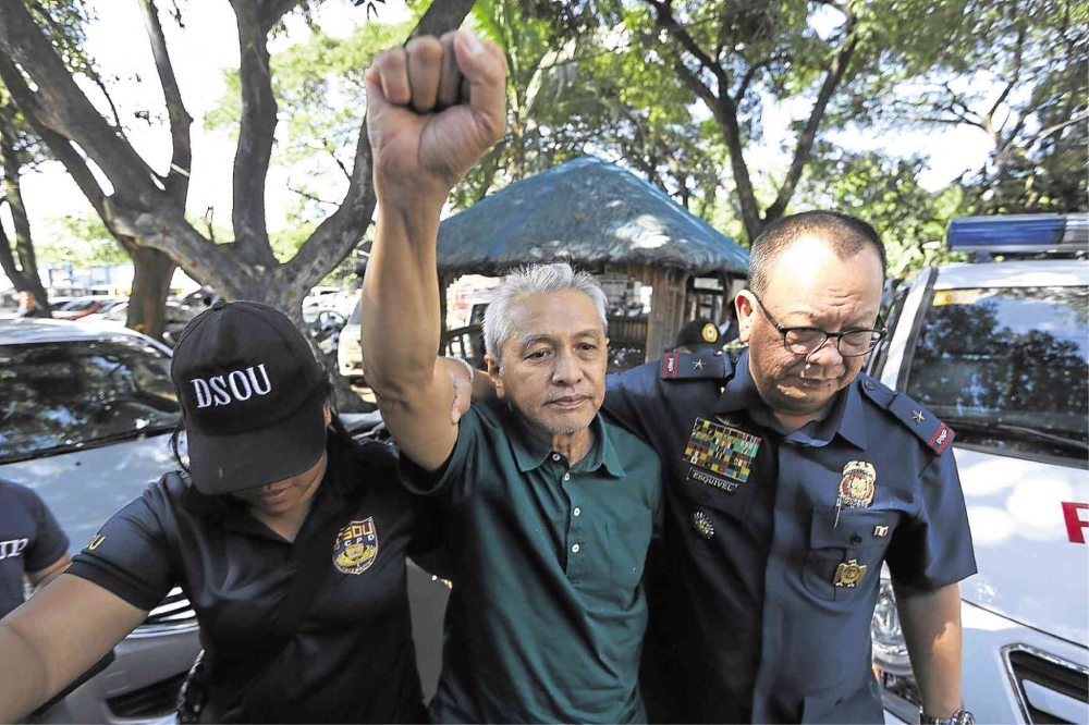 Lorenzana:  Ladlad's arrest can't derail 'suspended' peace talks